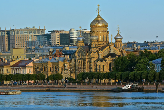 Traveling to St. Petersburg is easy with Azamara Club Cruises.