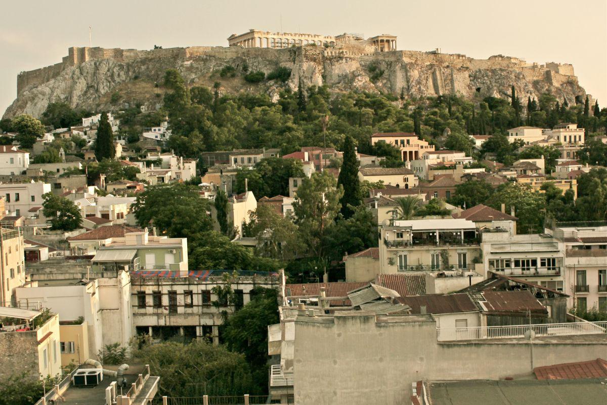 Exploring Greece Through Dame Traveler\'s Lens