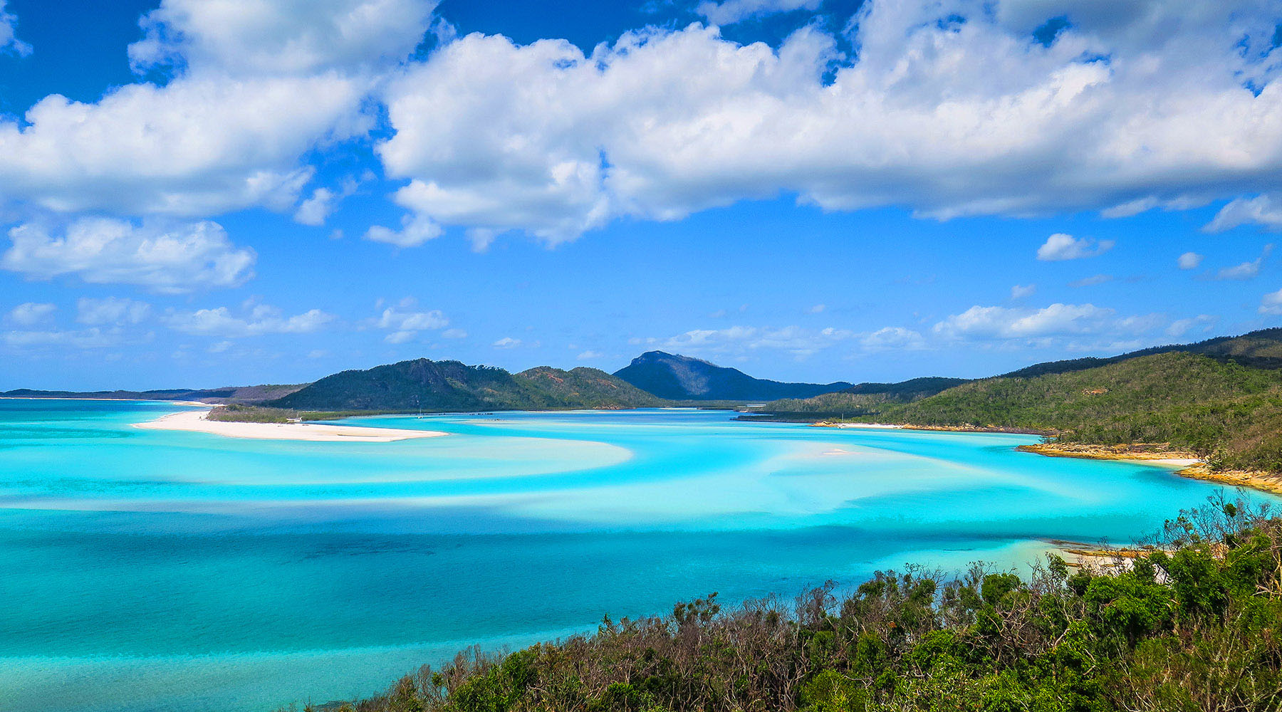 Luxury Voyages to Airlie Beach (Whitsundays), Australia