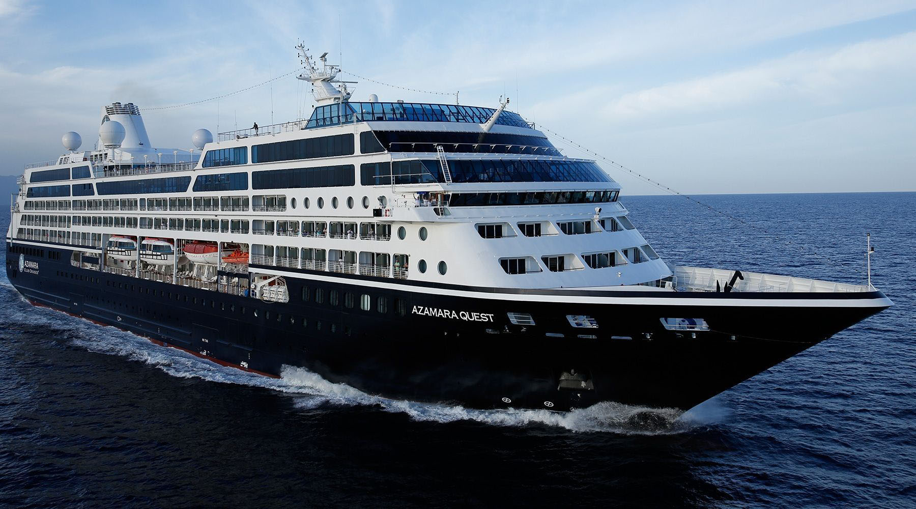 Small luxury cruise ships azamara quest azamara for Luxury small cruise lines