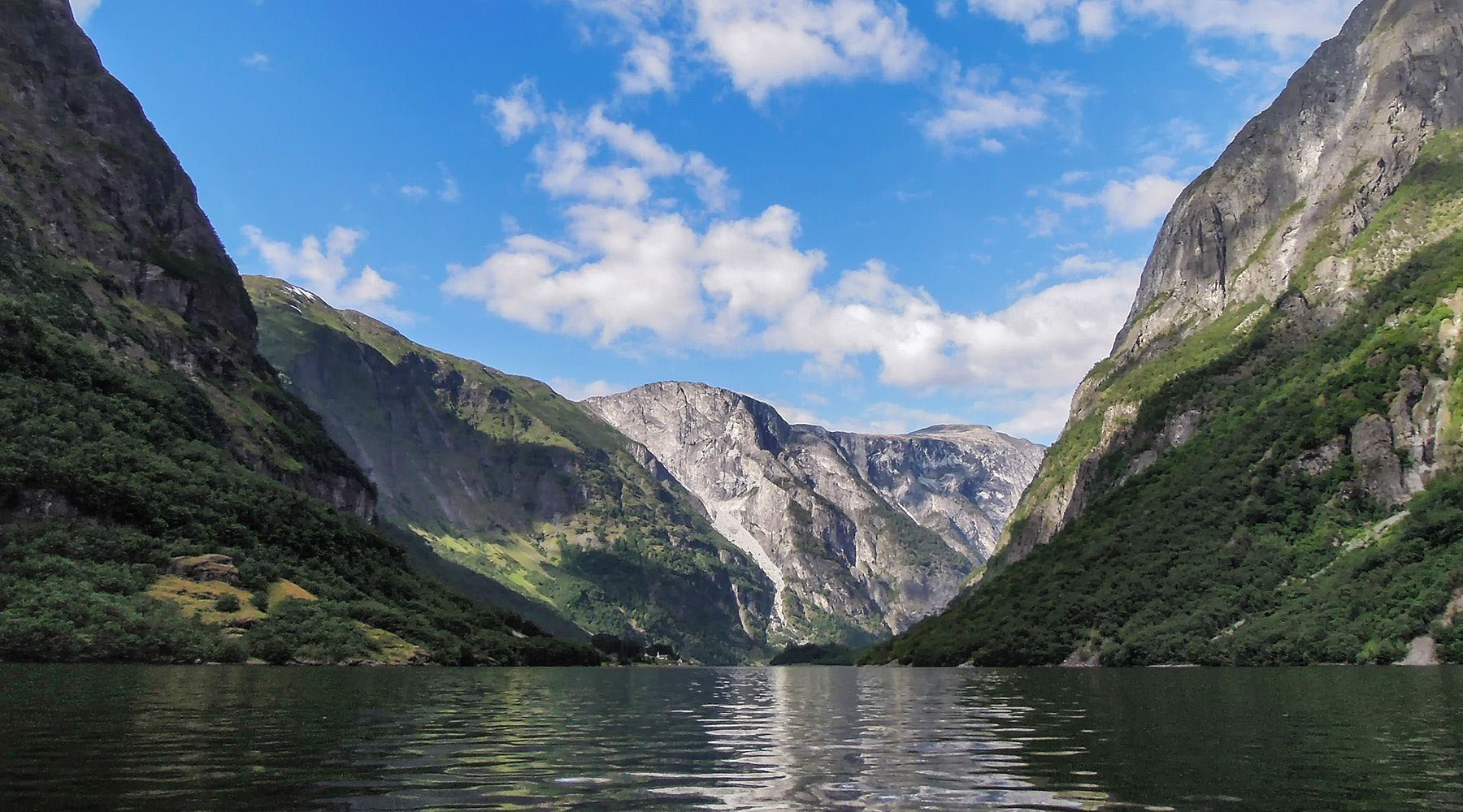 Luxury Voyage to Gudvangen, Norway
