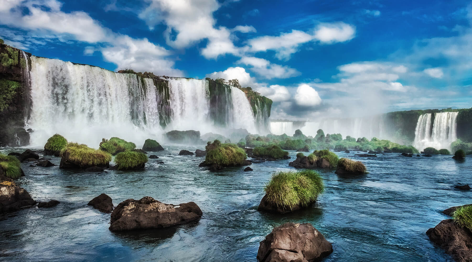 17-NIGHT ANTARCTICA VOYAGE & 4-NIGHT PRE IGUAZU FALLS