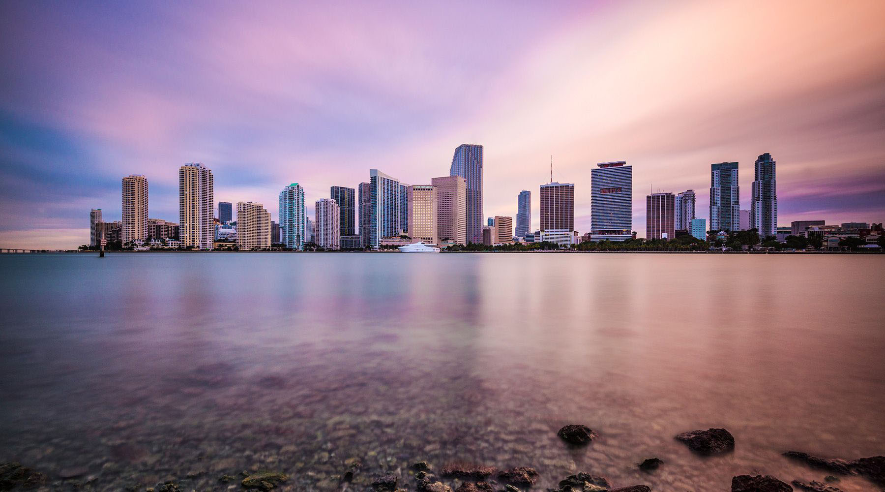 high rise buildings in miami florida beside body of water