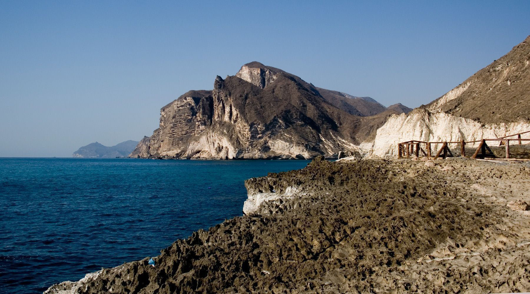 oman country Oman is a beautiful country that every muslim and non muslim should visit and explore it is a diverse culture, nice people, tourism that make muscat halal.