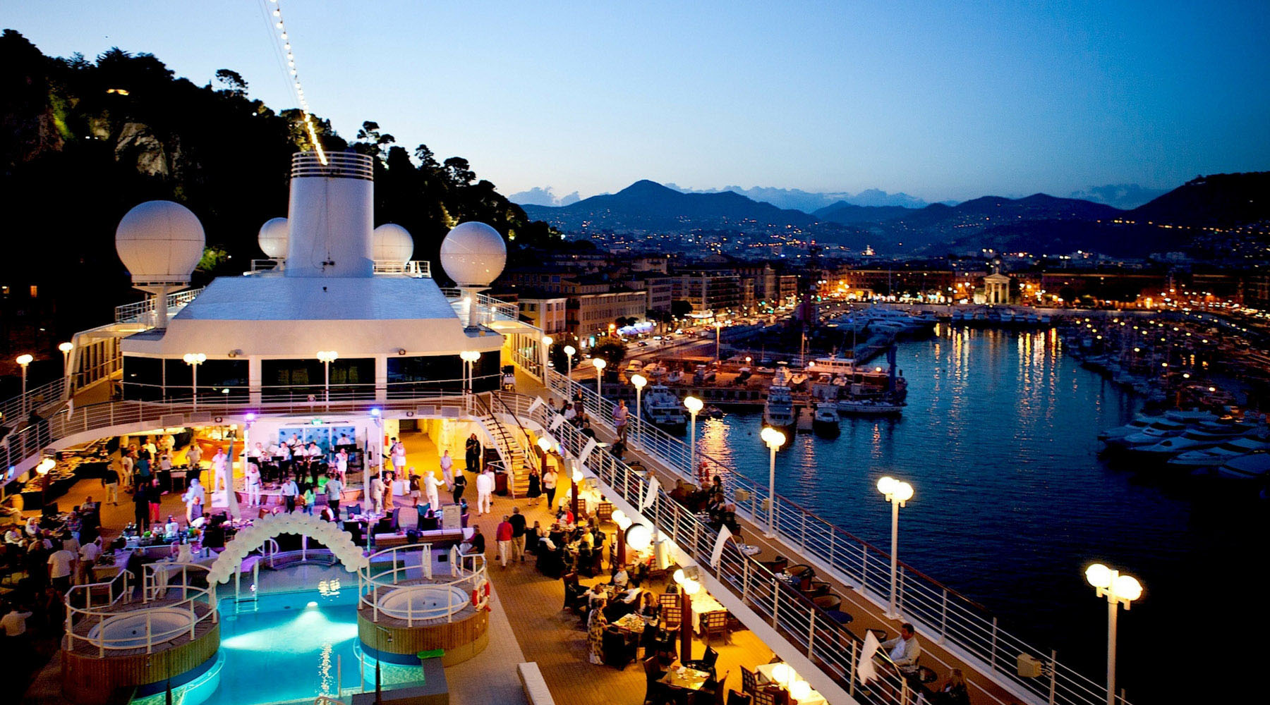 Five Romantic Cruises For Couples Who Love Travel