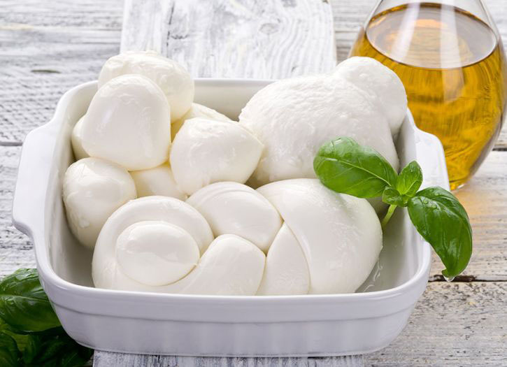 Mozzarella from Farm to Table