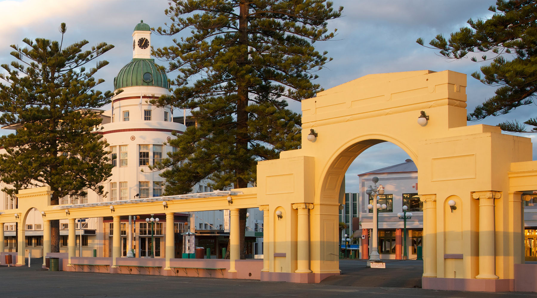 Explore the art deco architecture in Napier, New Zealand